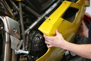 Смяна на моторното масло на двигателя – стъпка 1