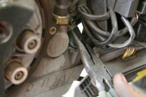 Смяна на моторното масло на двигателя – стъпка 2