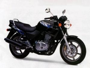 Топ 5: мотоциклети със средно тегло 2