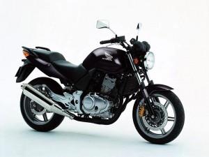 Топ 5: мотоциклети със средно тегло 4