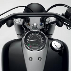 Силният дух на Honda Shadow 750 Black Spirit 02