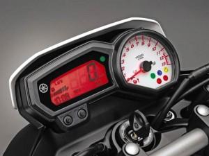 Сглобен от части - Yamaha FZ8 2010 03