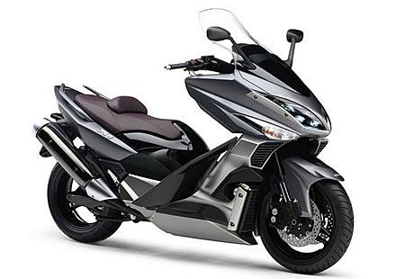 Трицилиндров макси скутер от Yamaha?