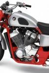 Къстъмът Cobra RS750 Scrambler 06