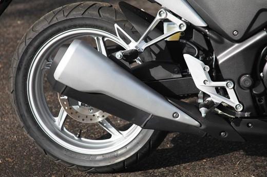 Още снимки на Honda CBR250R 13