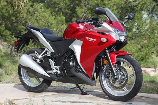 Още снимки на Honda CBR250R 15