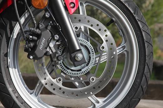 Още снимки на Honda CBR250R 16
