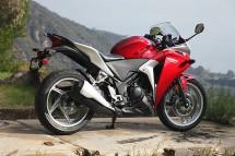 Още снимки на Honda CBR250R 20