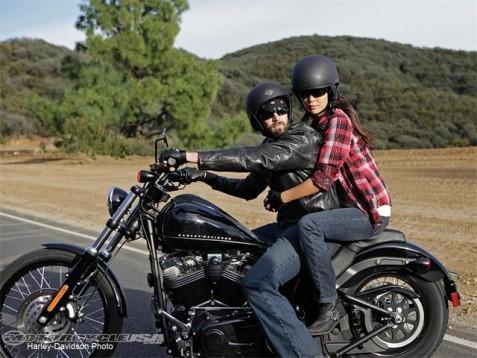 Видео и снимки на Harley Blackline 04