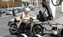 Кийра Найтли и Ducati 750SS в реклама на Chanel 01