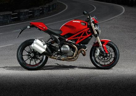 Ducati Monster 1100 EVO – снимки и видео