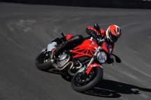 Ducati Monster 1100 EVO - снимки и видео 09