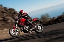 Ducati Monster 1100 EVO - снимки и видео 12