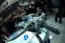 Шестцилиндров нейкд мотор от BMW 10
