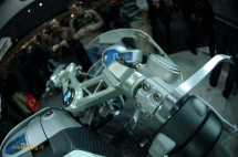 Шестцилиндров нейкд мотор от BMW 12