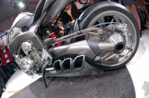 Шестцилиндров нейкд мотор от BMW 16