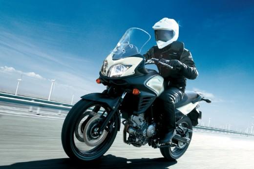 Снимки на мистериозния мотоциклет Suzuki V-Strom 2012 03