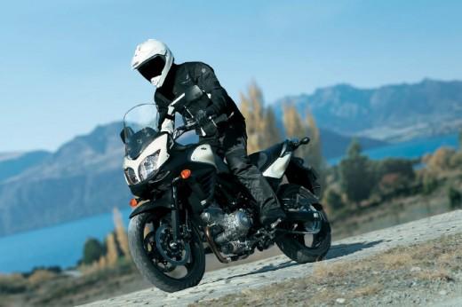 Снимки на мистериозния мотоциклет Suzuki V-Strom 2012 05