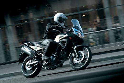 Снимки на мистериозния мотоциклет Suzuki V-Strom 2012 17