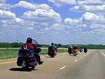 Последния моторист в групатa е нищо друго освен… най-способния, най-опитния, най-екипирания