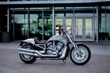 10 години Harley-Davidson V-Rod 02