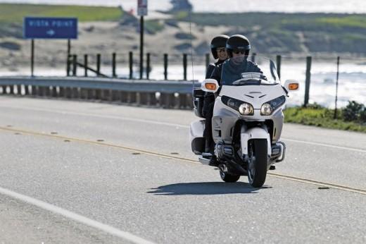 Инвоации в мотоциклета Honda Gold Wing за 2012 03