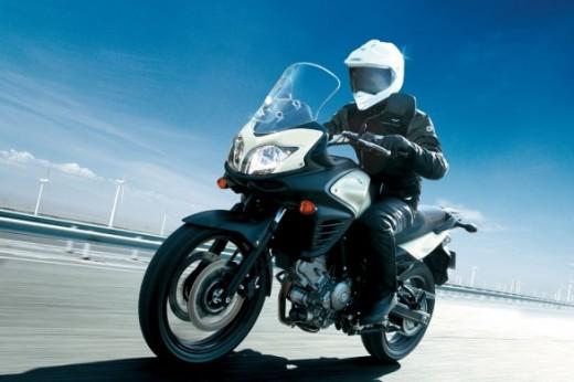 Suzuki обяви цената на мотора 2012 V-Strom 650 ABS 03