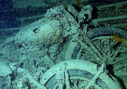 Класически мотоциклети от Втората световна война – изгубени в морето