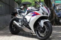 Honda показа моторът 2012 CBR 1000RR Fireblade 01
