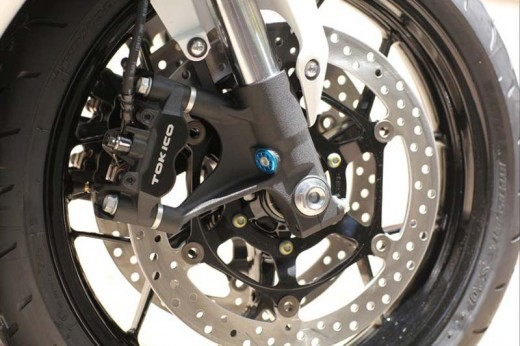Honda показа моторът 2012 CBR 1000RR Fireblade 07