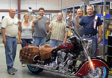 Първият мотоциклет Indian Chief произведен от Polaris Industries