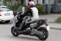 Скутерът на BMW за 2012 - шпионски снимки 01