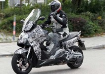 Скутерът на BMW за 2012 - шпионски снимки 03