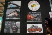 Hell's Angels MC и полицията на Италия с щандове на EICMA 2011 05