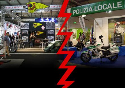 Hell's Angels MC и полицията на Италия с щандове на EICMA 2011