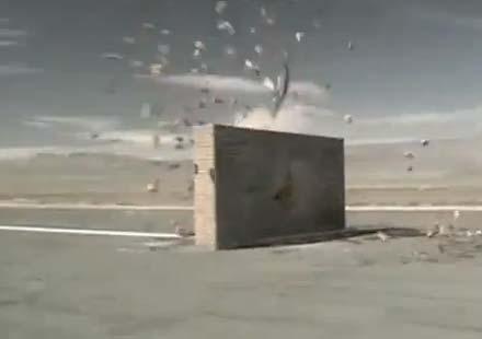 Моторист се блъска челно в стена – реклама на кабелна телевизия