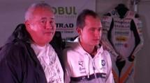 Абонираният за титли Мартин Чой празнува с Камор Ауто 03