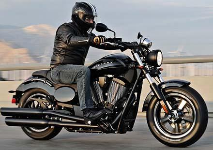 Мотоциклетът 2013 Victory Judge (видео+галерия)