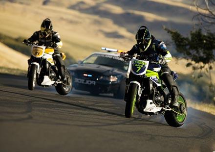Мотори срещу ченге в дрифт битка