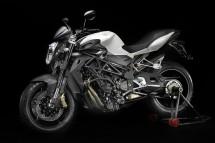 Легендарните мотоциклети MV Agusta вече се предлагат и в България 08
