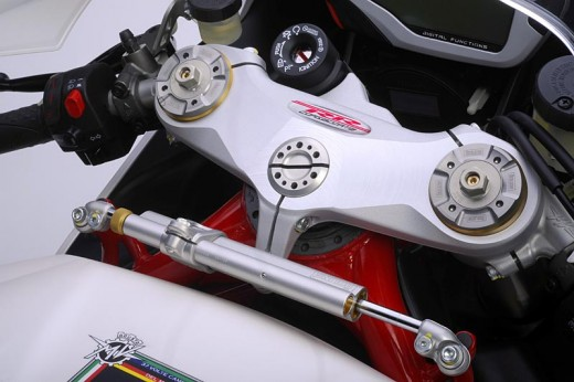 Легендарните мотоциклети MV Agusta вече се предлагат и в България 33
