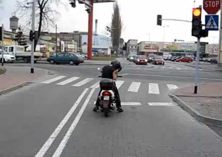 Не се закачйте с поляци-мотористи …