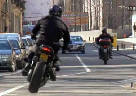 Видео от Европарламента: По-екологични и по-безопасни мотоциклети
