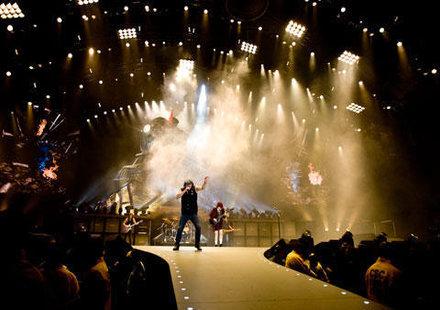 AC/DC LIVE AT RIVER PLATE – първият лайв албум от 20 години насам