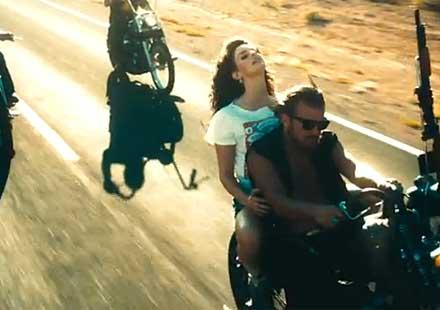 Страхотно видео за свободата – Карам!