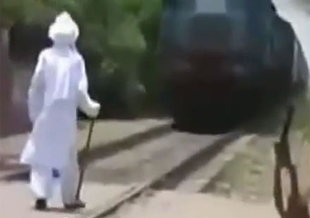 Спри! Спри! ВЛАКАаа! (видео)