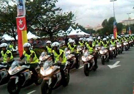 "1000 ""Нинджи"" 250 R на парад (видео)"