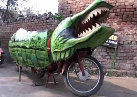 Тематично: Мотоциклет-крокодил (видео)