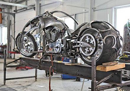 """Вижте първи реални снимки на мотоциклета """"BEHEMOTH"""""""