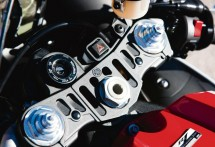 2013 Yamaha YZF-R1 01
